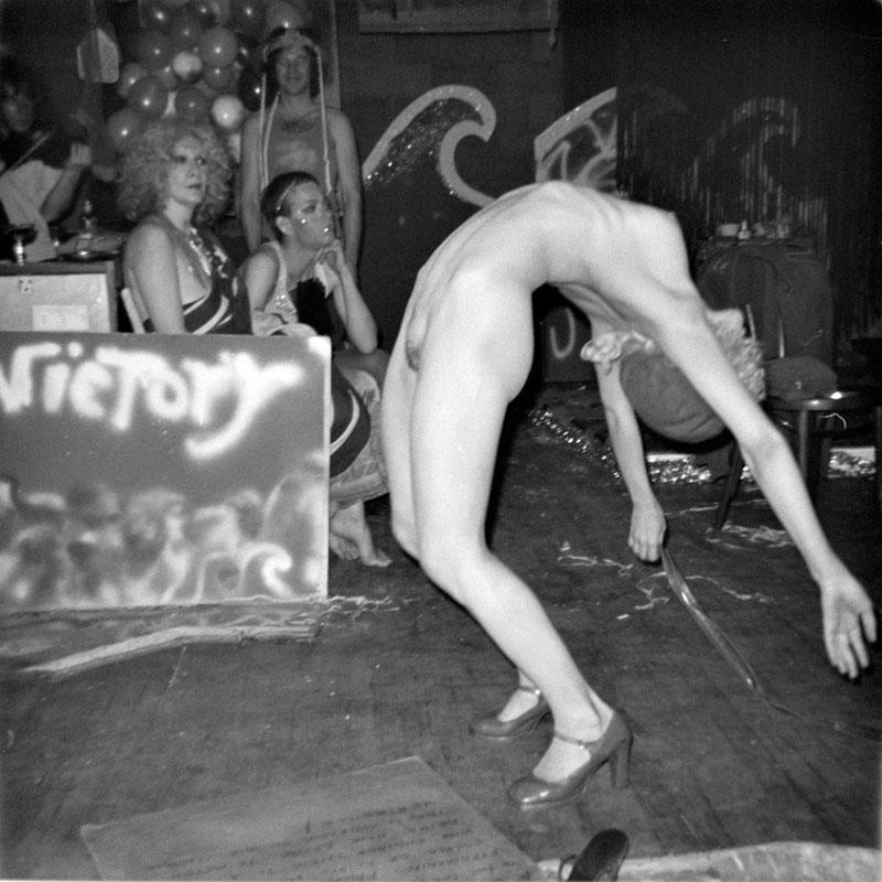 galerie-ahlers-albert-schoepflin-44-Warhol-Crowd-2